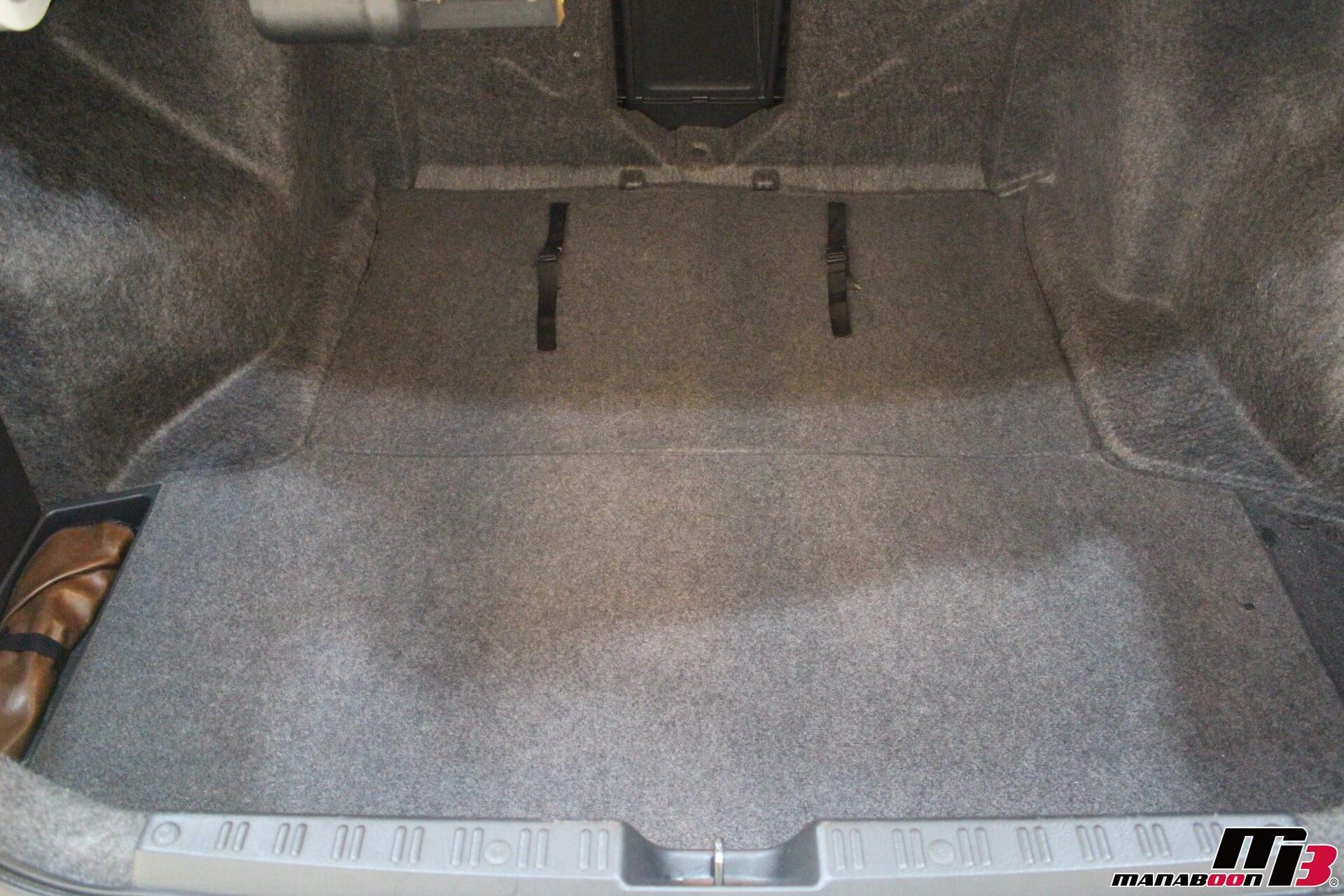 アコードユーロR(CL1)トランク画像