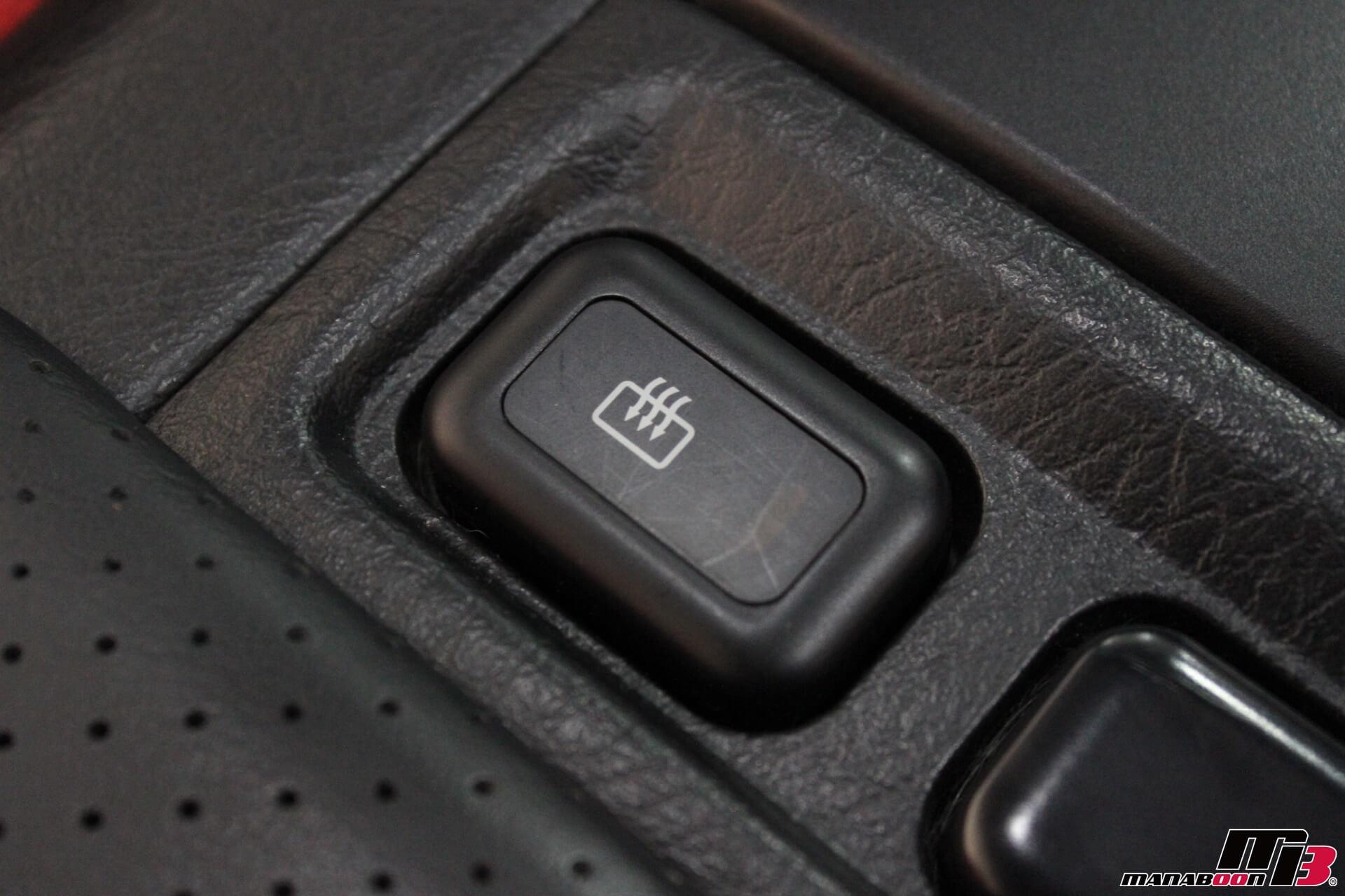 S2000ガラス幌熱線ボタン画像