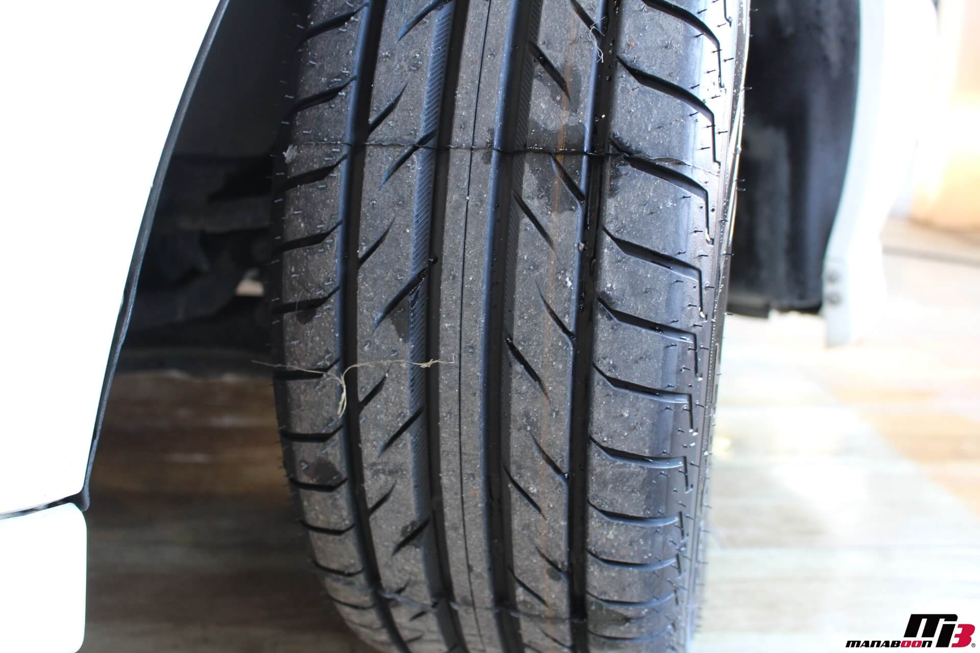 シビックタイプR X(EK9)新品タイヤ画像