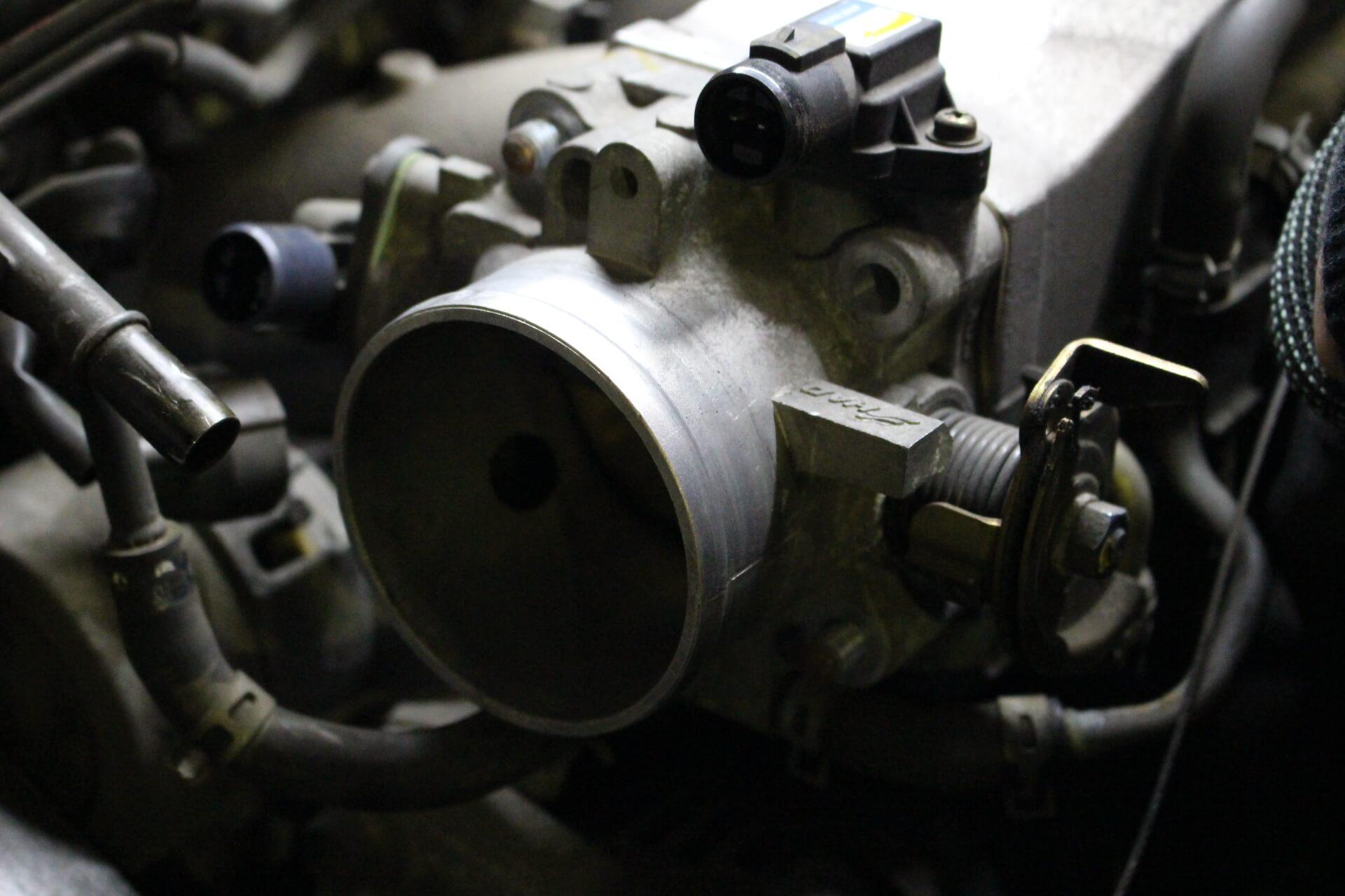 S2000 スロットルバルブ取り外し画像