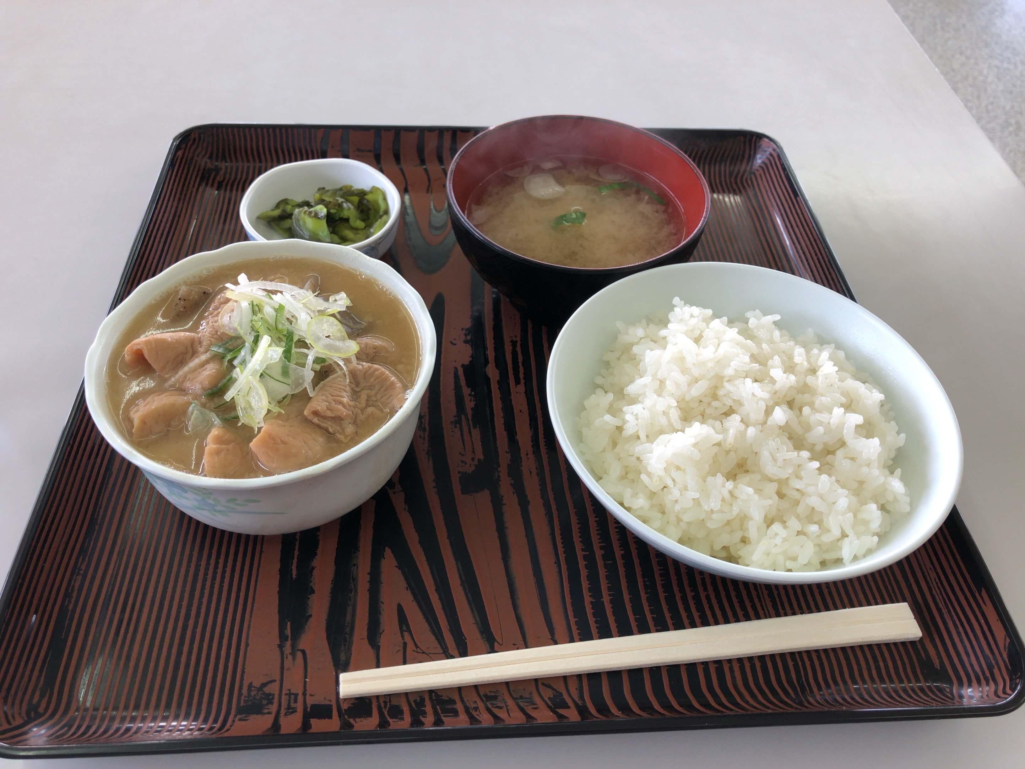 筑波サーキット ドライバーズサロン 昼食 メニュー